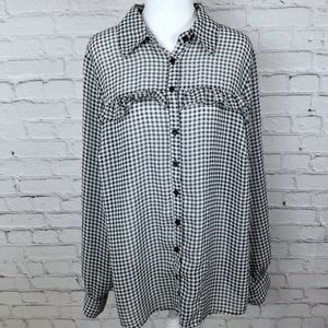 Torrid 0X gingham print button up blouse top